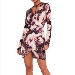 Missguided Long Sleeve Wrap Floral Dress no harnes